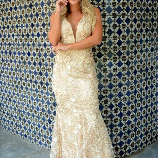 Vestido nude com bordado sereia - Aluguel de Vestidos de
