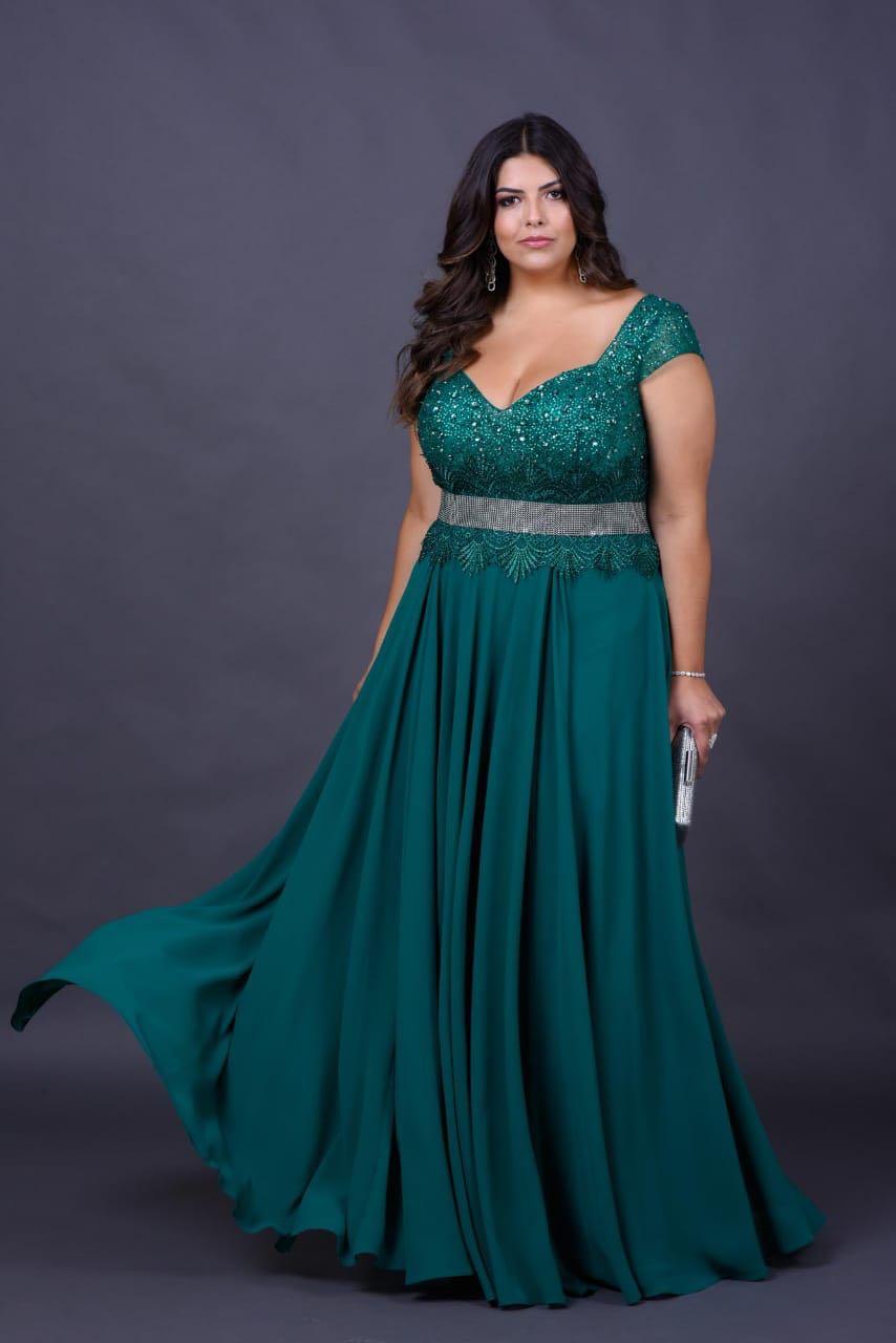 2a24d7752 Vestido de festa verde plus size com bordado delicado e cinto – Aluguel de  Vestidos de Festa RJ