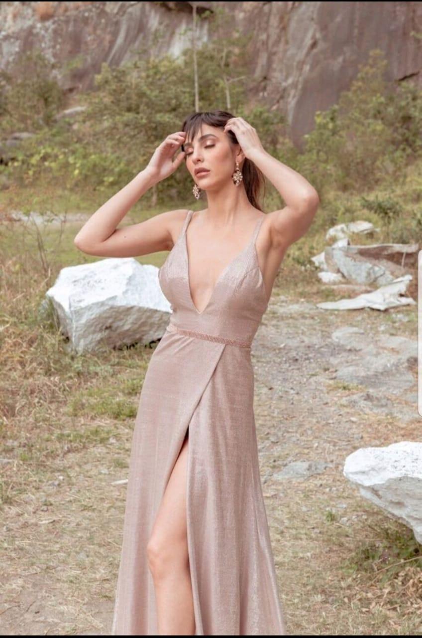 Vestido de Festa Nude com Rosa com Fenda e Decote