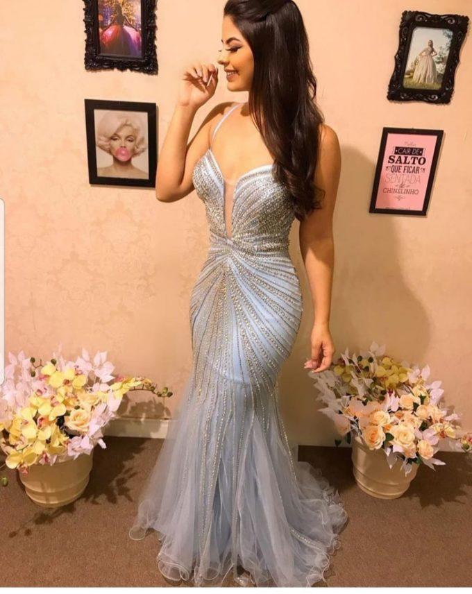 Vestido azul sereia todo bordado em swarovisk - Aluguel de